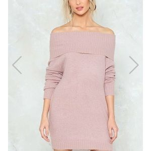 NWT The Off She Goes Dress comes in knit SM